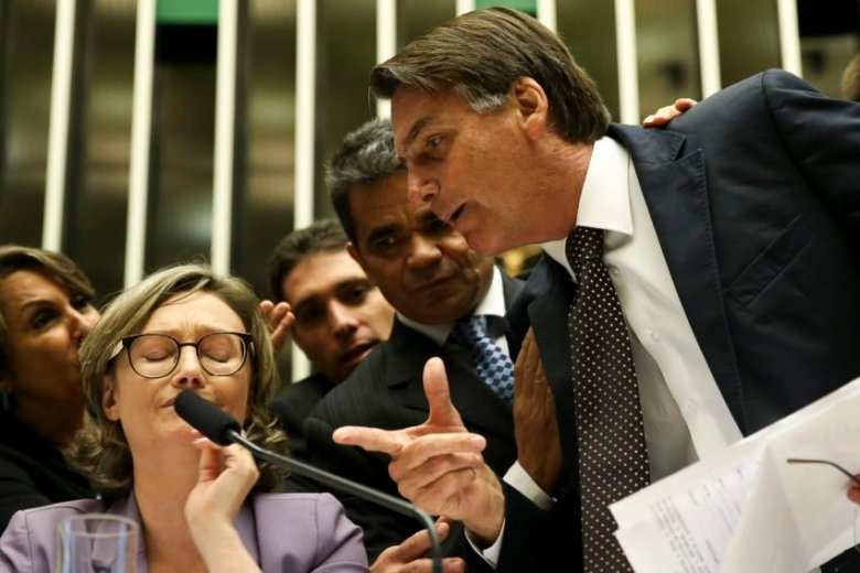 Jair Bolsonaro discute com Maria do Rosário